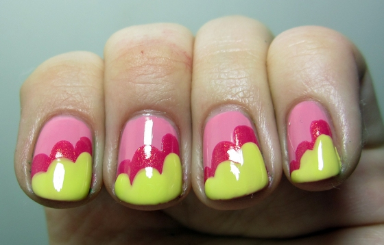 GinaTricot_PickMe_and_ChinaGlaze_StrawberryFields_and_SallyHansen_YellowKitty5