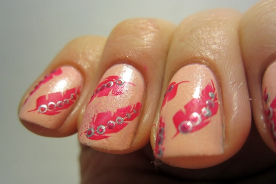 NordicCap_14_and_BarryM_Raspberry_and_SilverFoil_and_SinfulColors_ForgetNow