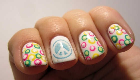 OPI_AlpineSnow_and_GinaTricot_AspenGold_NordicCap_15_and_ChinaGlaze_FourLeafClover3