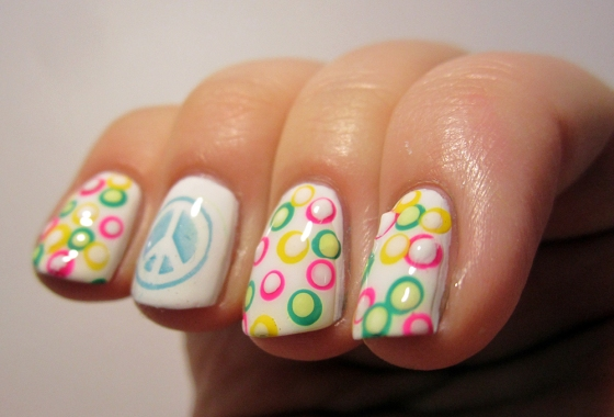 OPI_AlpineSnow_and_GinaTricot_AspenGold_NordicCap_15_and_ChinaGlaze_FourLeafClover4