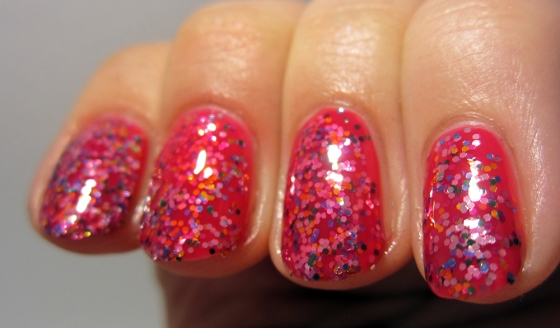 OPI_DoYouThinkI'mTexy_and_CandyLacquer_MadAsGlitter3