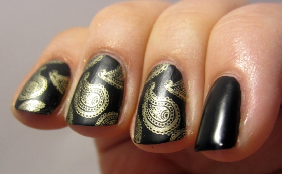 CultNails_Fetish_BarryM_GoldFoil