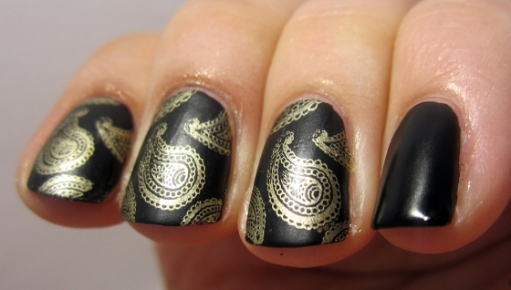 CultNails_Fetish_BarryM_GoldFoil3